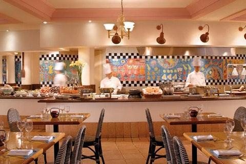 Asian Market Café - Fairmont Singapore